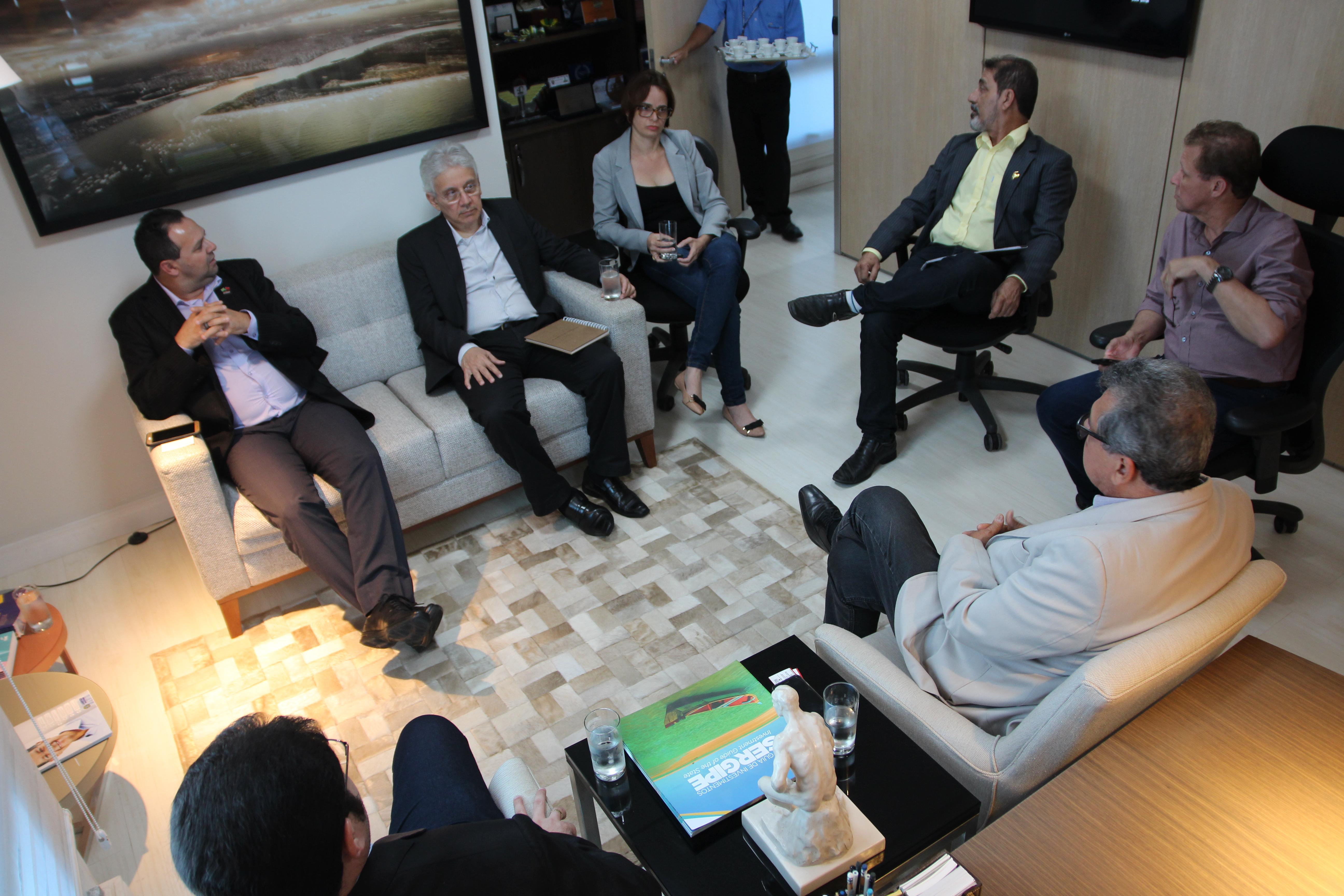 Fecomércio se reúne com representantes da c mara de comércio e