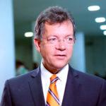 Laércio Oliveira é reeleito presidente da Fecomércio